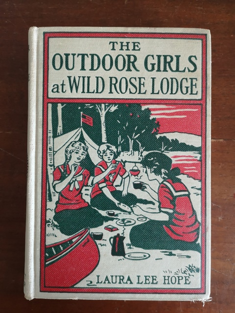 The outdoor girls at wild rose lodge - Laura lee Hope Grosset & Dunlap 1921